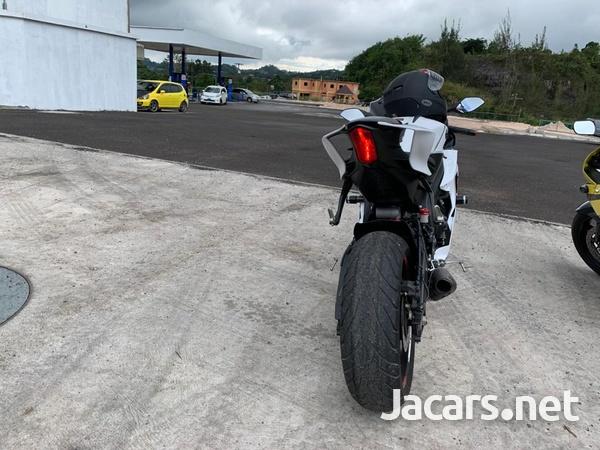 2019 Yahama R6 Bike-2