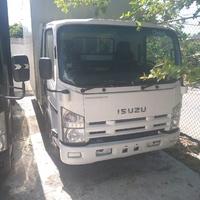 2014 Isuzu NPR Truck