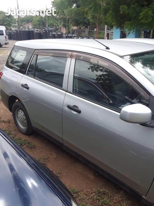 Nissan AD Wagon 1,5L 2013-4