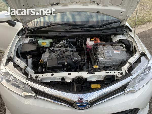 Toyota Axio 1,6L 2015-8