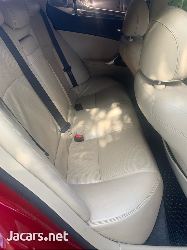 Lexus IS 2,5L 2010-7