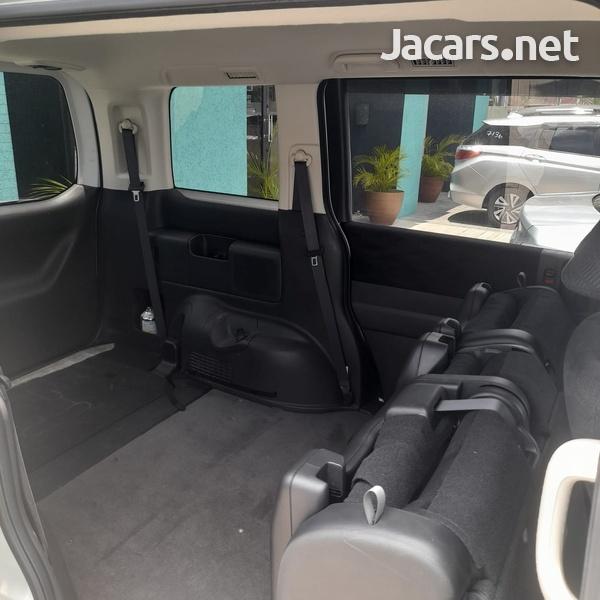 Honda Stepwgn 2,0L 2015-9