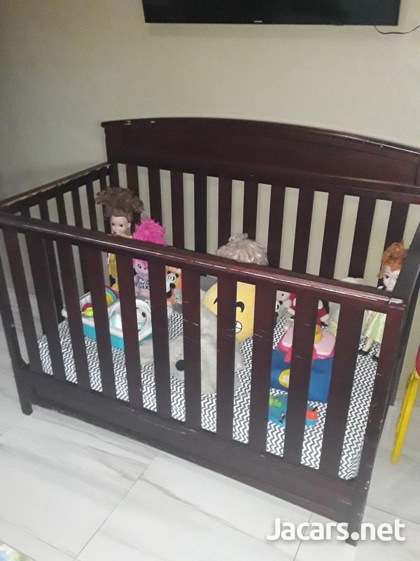 Delta Crib and Sealy Mattress-2