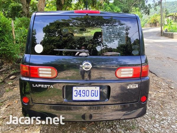 Nissan LaFesta 2,0L 2009-1
