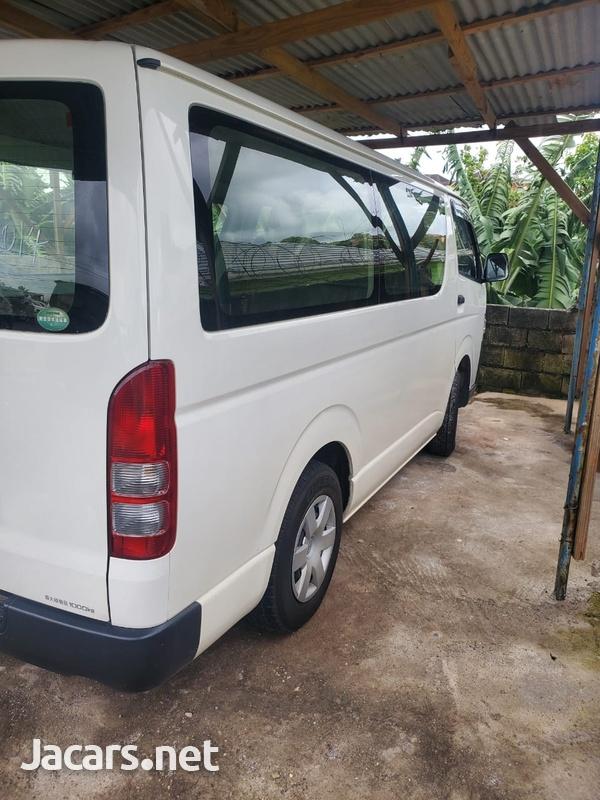 2014 Toyota Hiace Bus-10