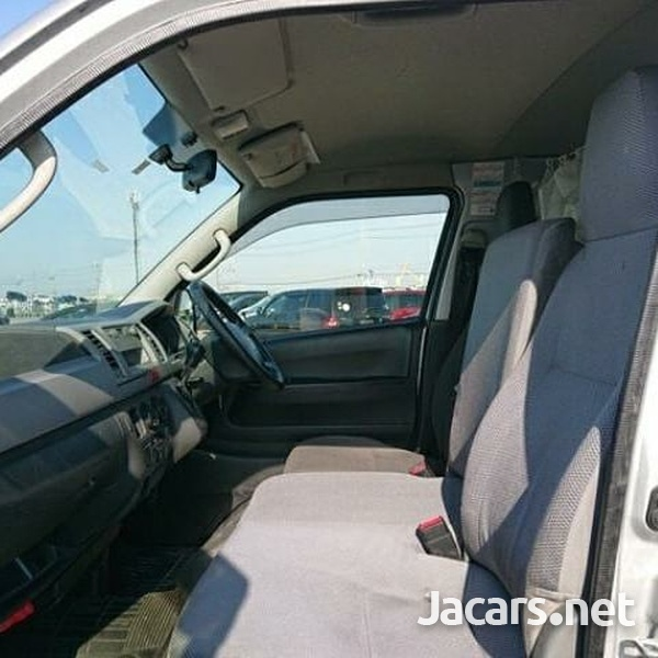 Toyota Hiace Bus 2,0L 2013-1