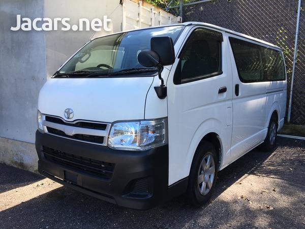 Toyota Hiace Bus 2,0L 2011-1