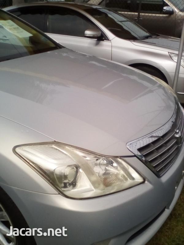 Toyota Crown 3,0L 2010-4