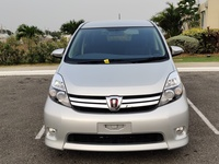 Toyota Isis 1,7L 2015