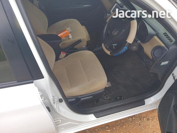 Toyota Axio 1,6L 2013-5