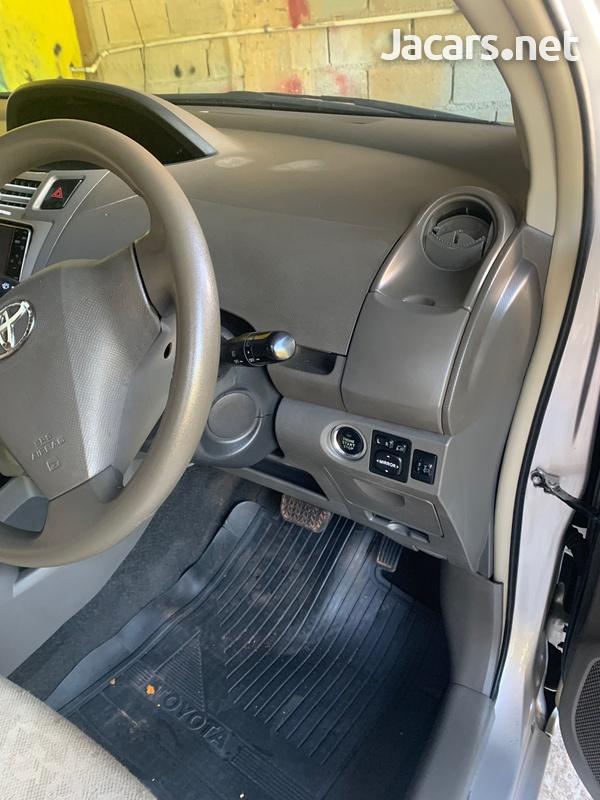 Toyota Vitz 1,3L 2005-4