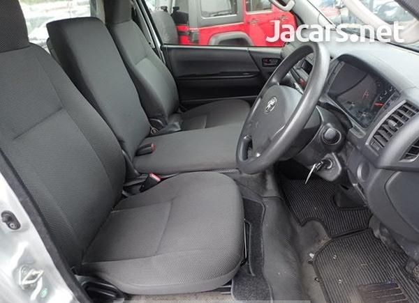 Toyota Hiace 2,5L 2016-5