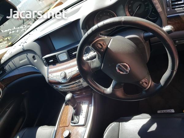 Nissan Fuga 3,5L 2013-10