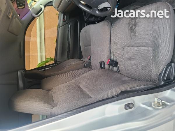 Toyota Hiace 2,0L 2013-7