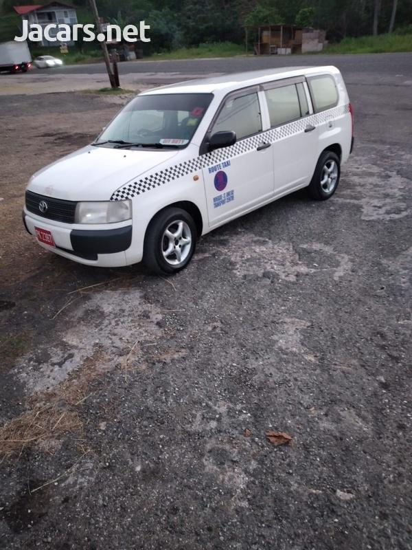Toyota Probox 1,5L 2013-4