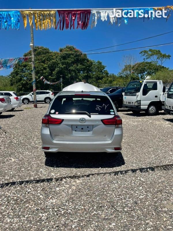 Toyota Fielder 1,8L 2016-9