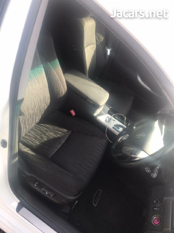 Toyota Crown 3,5L 2011-5