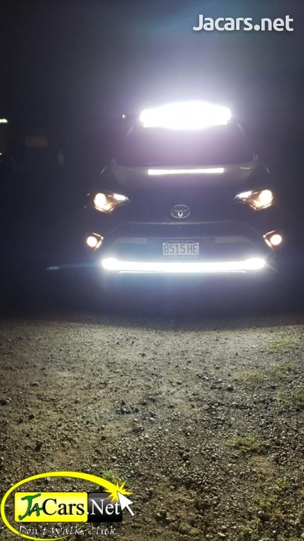Toyota RAV4 2,0L 2017-8