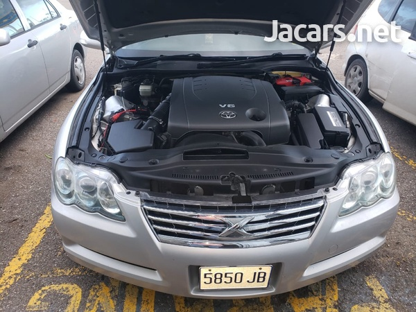 Toyota Mark X 2,5L 2009-5