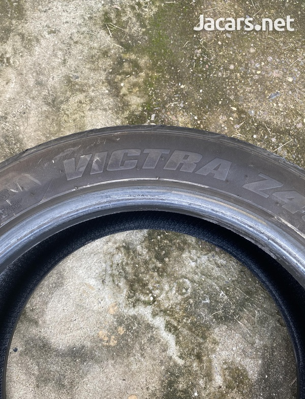 Car Tire size 225/50 ZR17-1
