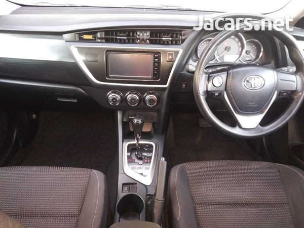 Toyota AURIS 1,5L 2015-8