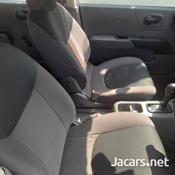 Mazda Familia 1,5L 2015-8