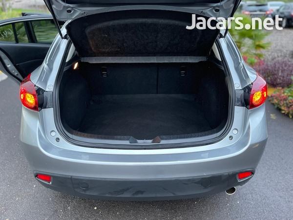 Mazda Axela 1,5L 2016-7
