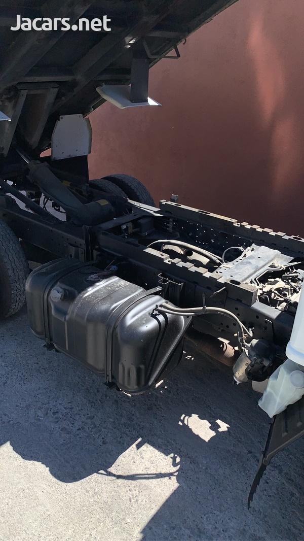 2006 Isuzu Dump Truck-7