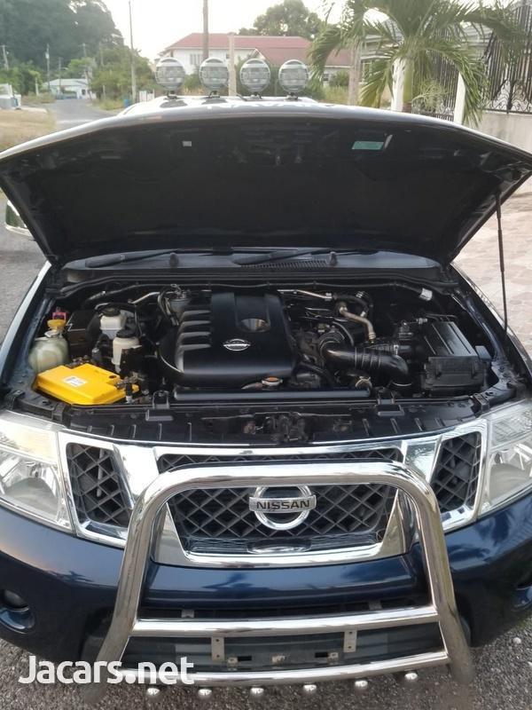 Nissan Navara 2,4L 2011-6