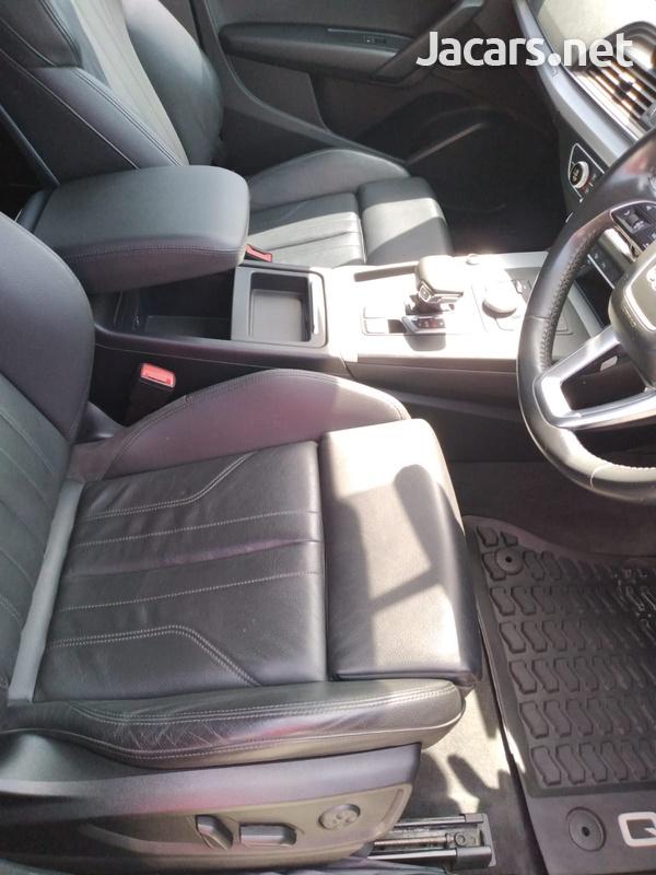 Audi Q5 2,0L 2018-10