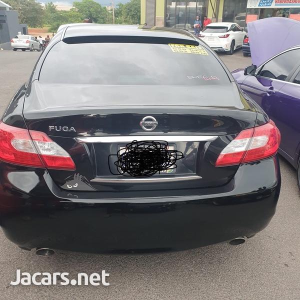 Nissan Fuga 3,0L 2010-1