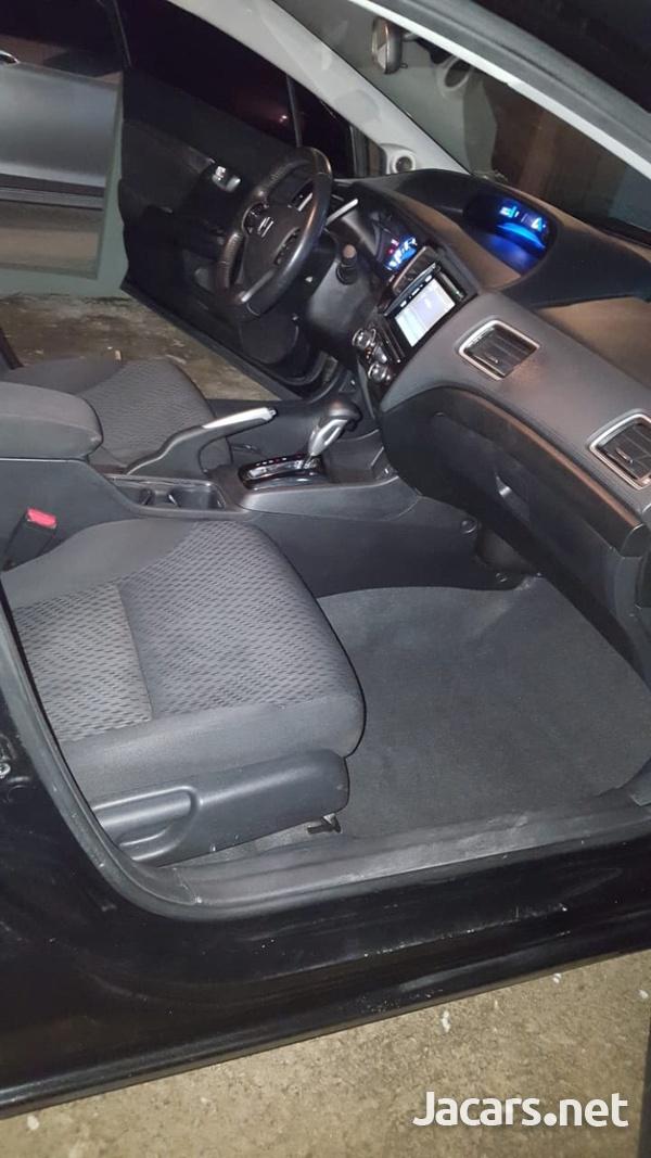 Honda Civic 1,8L 2015-8