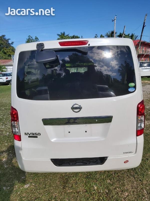 White 2013 Nissan Caravan-3
