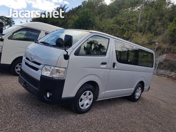 Toyota Hiace Bus 2,0L 2017-4