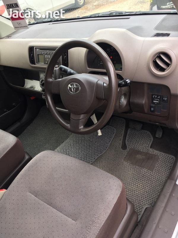 Toyota Passo 1,0L 2016-8