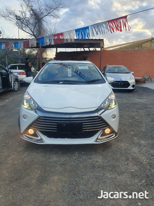 Toyota Aqua 1,5L 2014-1
