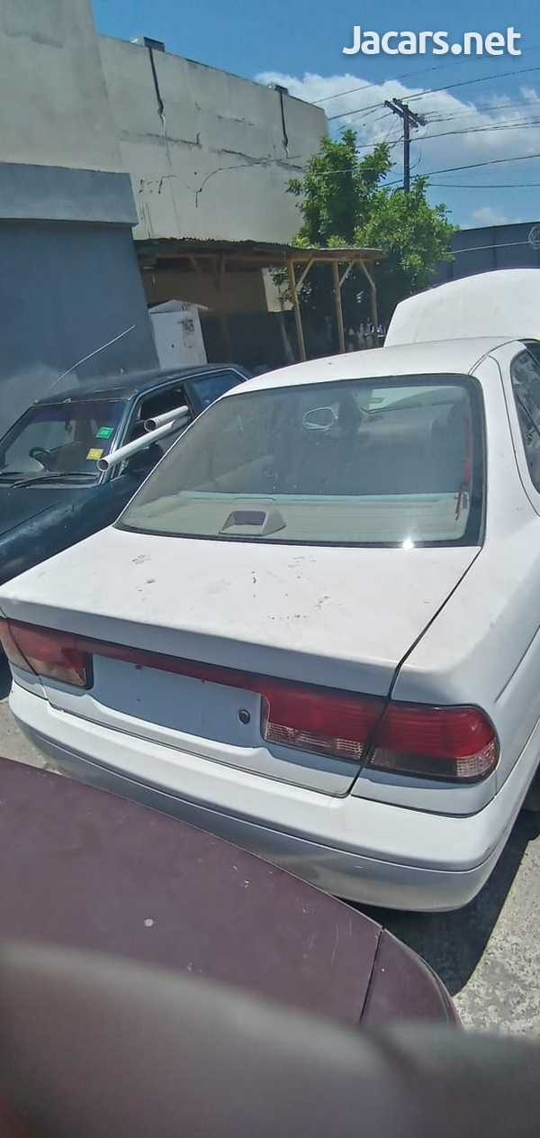 Nissan Sunny 1,5L 2002-4