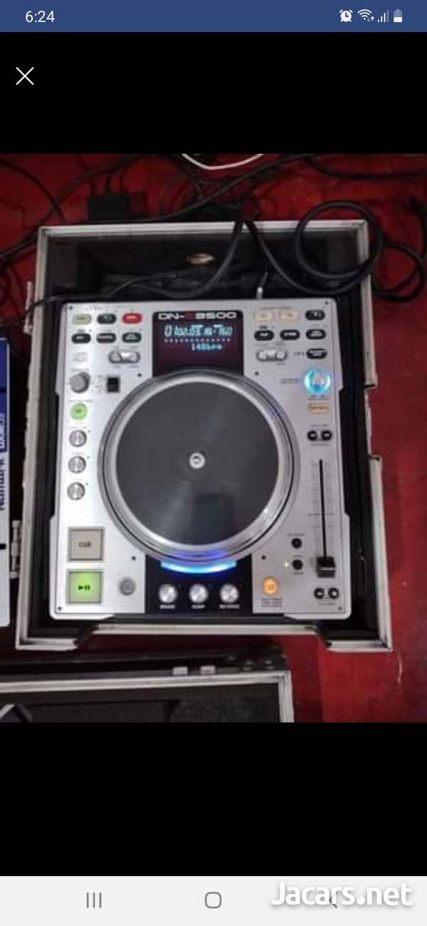 Numark mixer +2 Dennon Cd players and cases-2