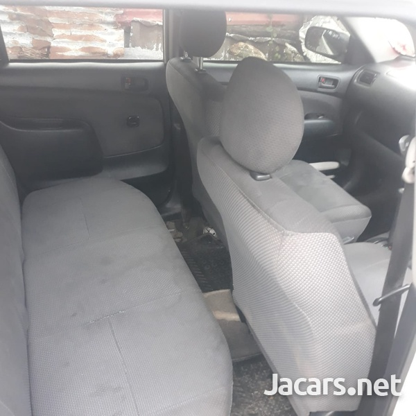 Toyota Succeed 1,4L 2012-5