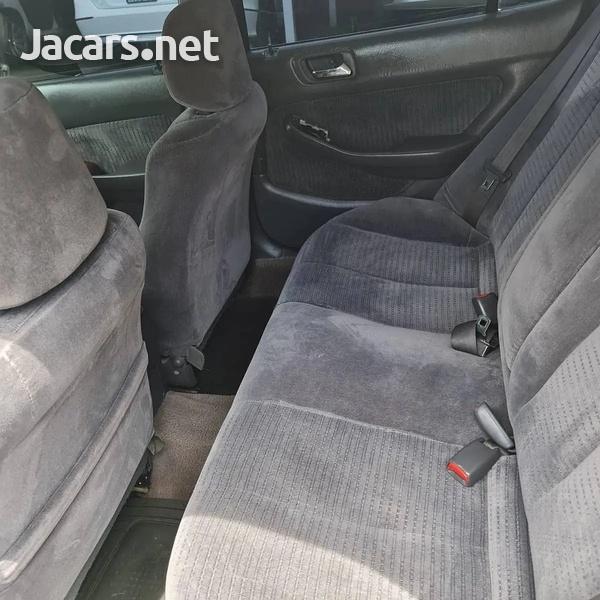 Honda Accord 2,0L 2001-6