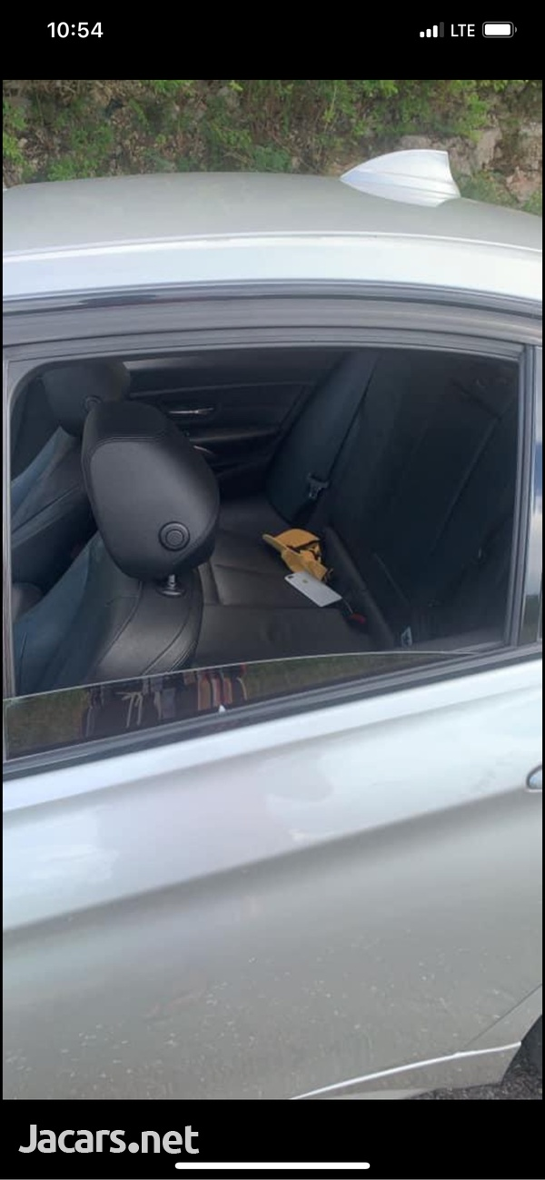 BMW 3-Series 2,0L 2013-4