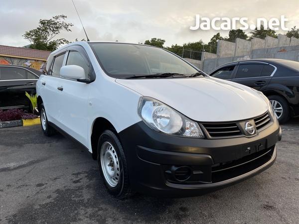 Nissan AD Wagon 1,6L 2016-3