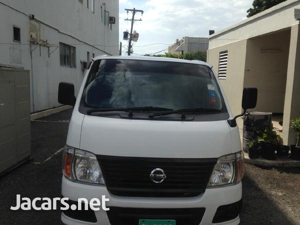 Nissan Caravan-7