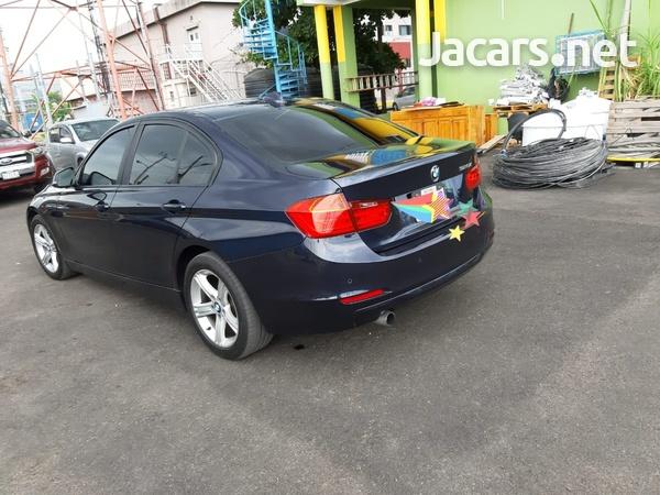 BMW 3-Series 1,9L 2013-8
