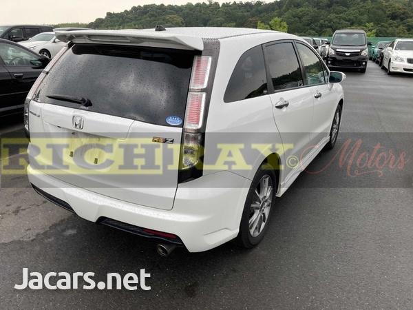 Honda Stream 2,0L 2012-4