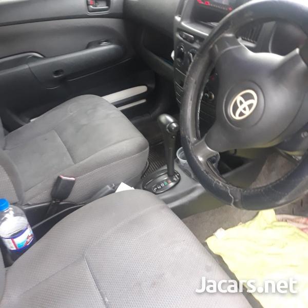 Toyota Succeed 1,4L 2012-3
