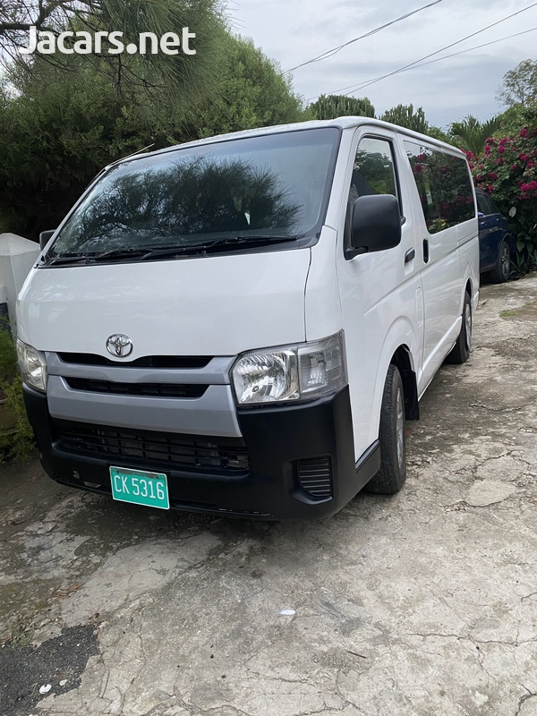 2015 Toyota Hiace mini bus-1