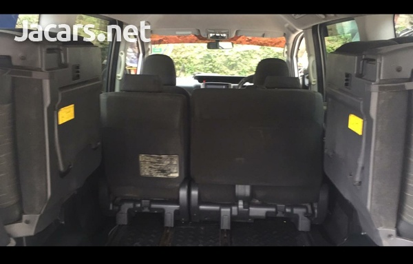 Toyota voxy very clean ...mint condition-6