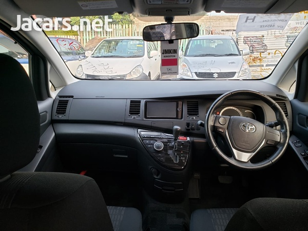Toyota Isis 1,8L 2003-5