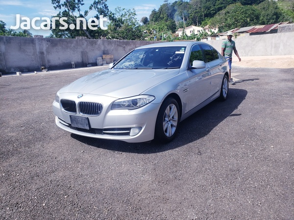 BMW 5-Series 2,5L 2012-4
